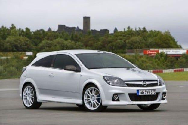 GM стартира производство на Astra в Русия