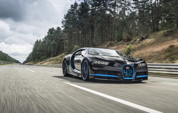 Показват на видео рекорда на Bugatti Chiron до 400 км/ч