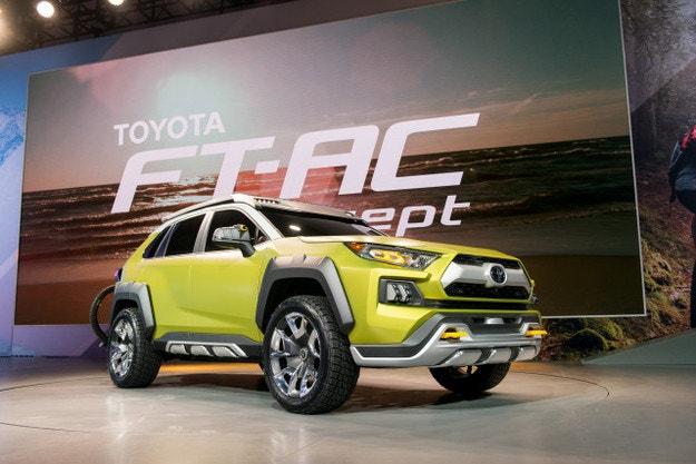 Toyota подготвя нов компактен кросоувър