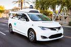 Google застрахова пътниците в автономните Waymo