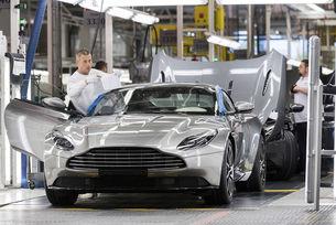 Продажби: Aston Martin завършва 2017 със стил