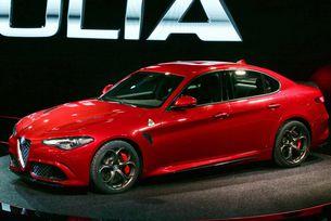 Загубите на Alfa Romeo се свиват, но целта е далече