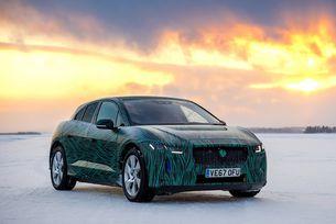 Jaguar показа първия електрически кросоувър на видео