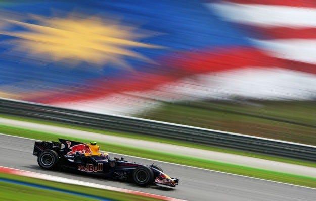 Нощен старт за Малайзия догодина
