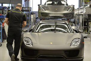 9656 евро бонус за служителите на Porsche