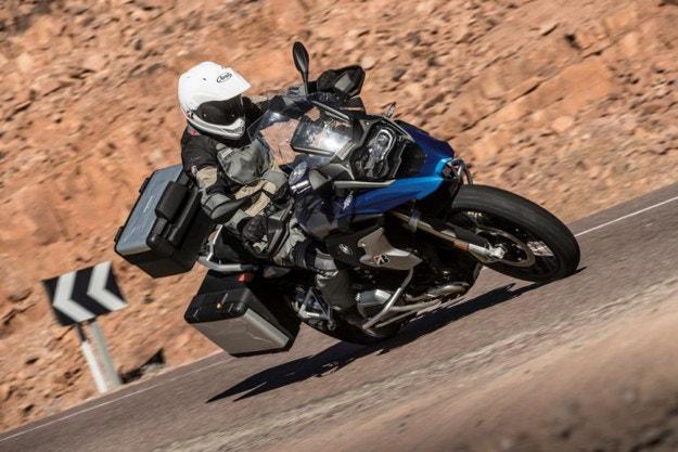 BМW избра Bridgestone Battlax Adventure A41