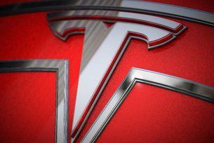 Илън Мъск подготвя реорганизация на Tesla