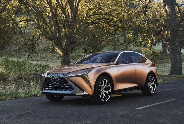 Новият кросоувър Lexus може да се нарича LQ