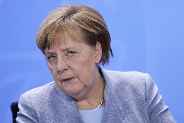 Меркел иска силна автомобилна индустрия