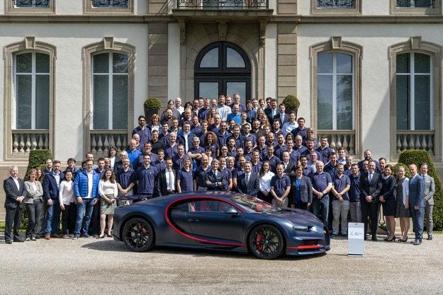 Стотният Bugatti Chiron тръгна към собственика си