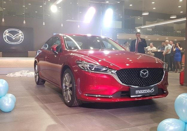 Стар Моторс с нов шоурум и дебют на Mazda6