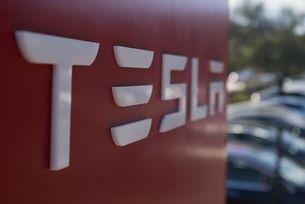 Илън Мъск обвини служител на Tesla в саботаж