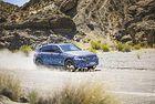 Тестват електрическия кросоувър Mercedes в жегите