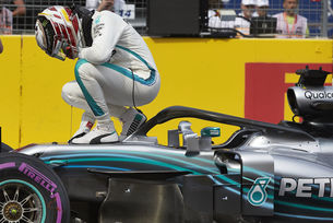 Хамилтън преподписа с Mercedes