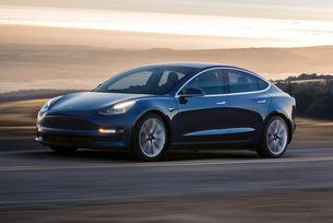 Все повече се отказват от покупка на Tesla Model 3