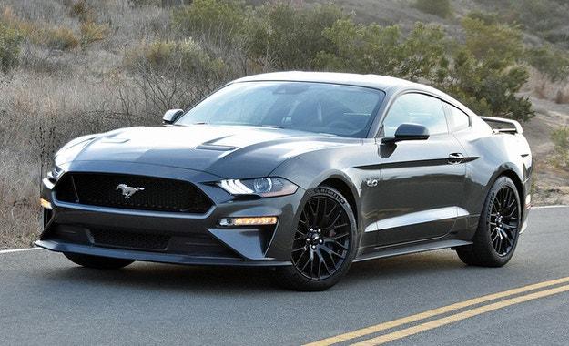 Ford Mustang може да стане хибрид