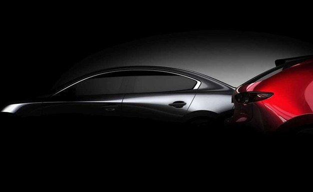 """Mazda показа първия тийзър на новата """"тройка"""""""