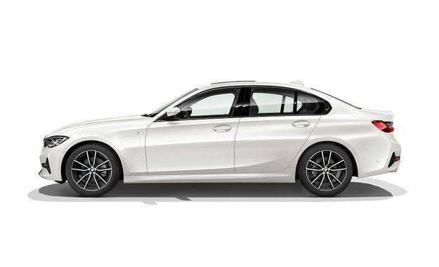 Всичко за новото BMW 330e Седан