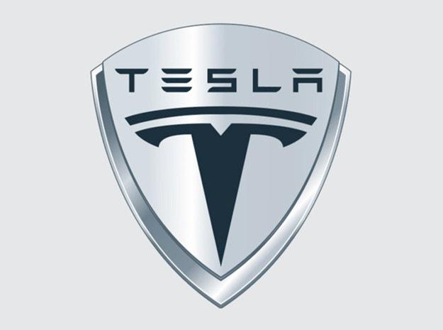 Компактният кросоувър Tesla с три реда седалки