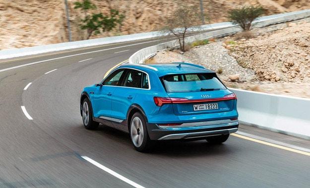 Audi готви компактен електрически кросоувър