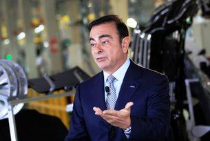 Карлос Гон напусна поста шеф на Renault