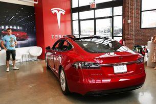 Чистата загуба на Tesla през 2018 г. е 976 млн. долара