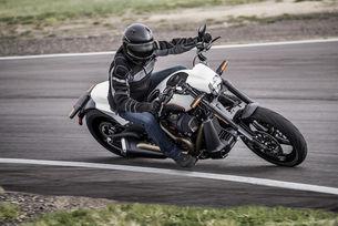 Учените: Мотоциклетът намалява стреса