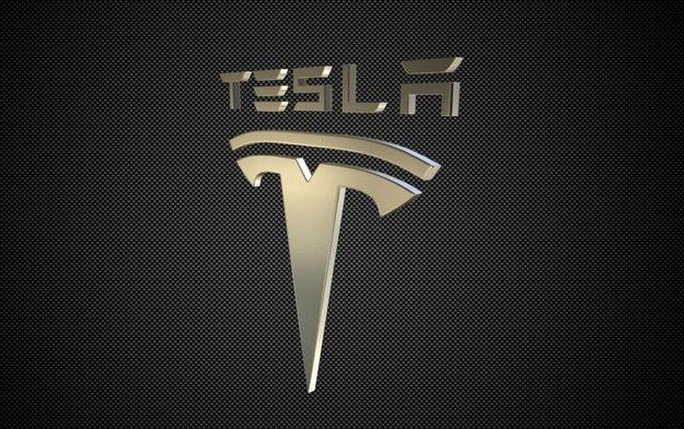 Tesla купи производителя на батерии Maxwell