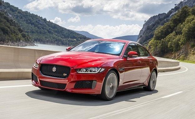Jaguar ще смени моделите XE и XF с електромобил