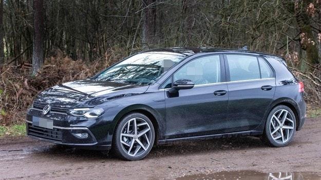 Volkswagen отлага премиерата на новия Golf