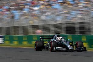 Mercedes размаза Ferrari на старта на сезона