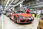9700 евро бонус получават служителите на Porsche