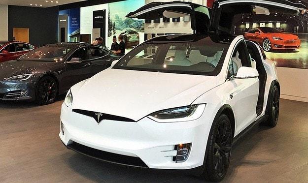 Tesla добави нов режим против кражби