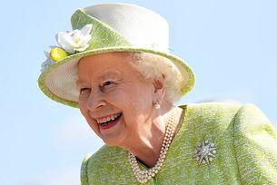 Кралицата на Великобритания спира шофирането