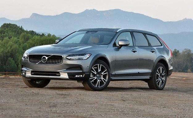 Volvo обновява сигурността на старите автомобили