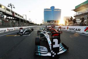 Ботас разпиля Хамилтън и Ferrari