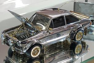 Продават на търг Ford Escort от злато, сребро и диаманти