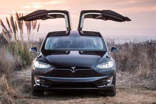 Автомобилите Tesla сами диагностицират повреди