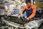 Volvo партнира с двама основни доставчици на батерии