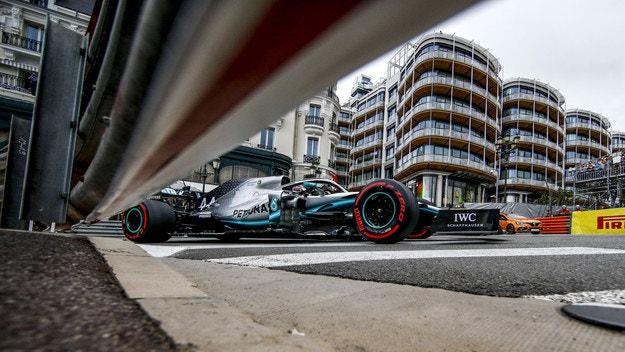 Хамилтън не даде пола на Ботас в Монако