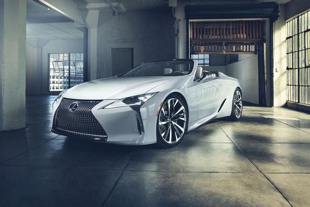 Обявиха премиерата на кабриолета Lexus LC
