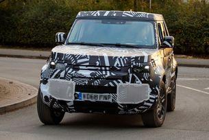 Новият Land Rover Defender с осем седящи места