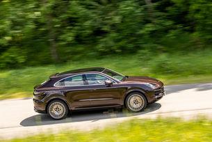 Porsche увеличи продажбите през шестте месеца