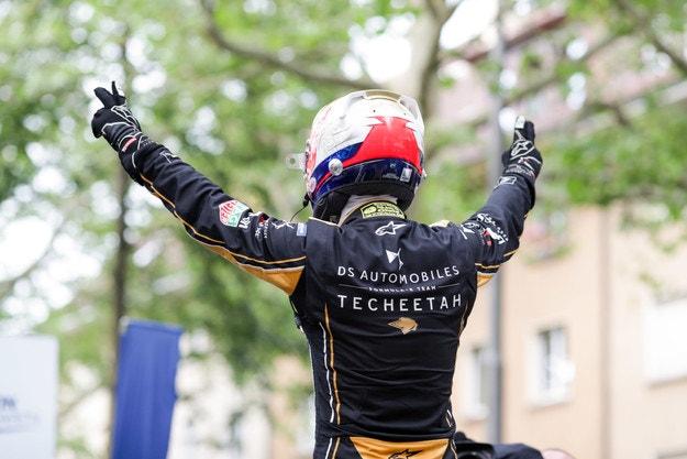 Верн е новият стар шампион във Формула Е