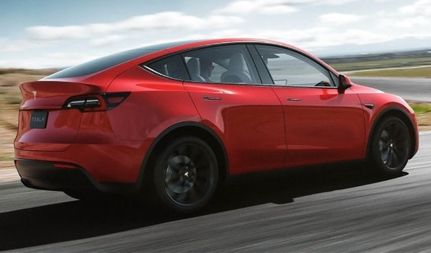 Стартира производството на кросоувъра Tesla