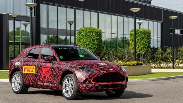 Aston Martin показа първия сериен кросоувър