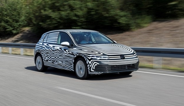 Volkswagen провежда финални тестове на новия Golf