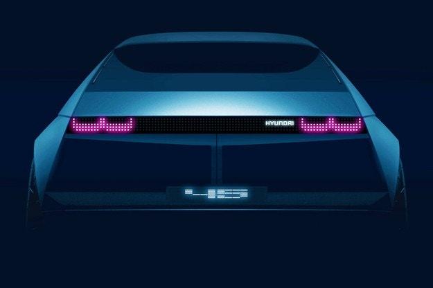 Hyundai готви електромобил в стила на първия си модел