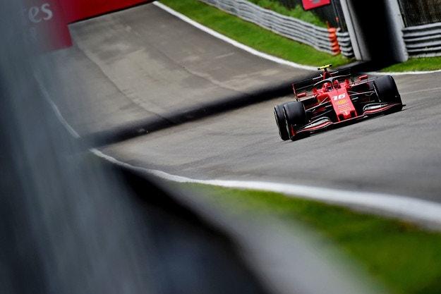 Ferrari подхлъзна Mercedes на Монца