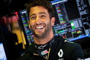 Рикардо остава предан на Renault